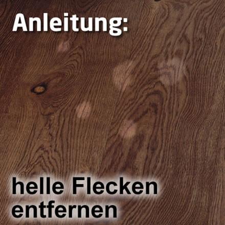 Helle Flecken im Holz